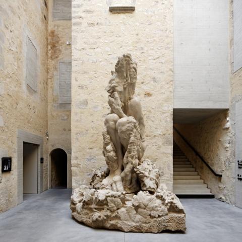 Le grand Faune de Paul Dardé dans l'accueil du musée © Vincent Fillon